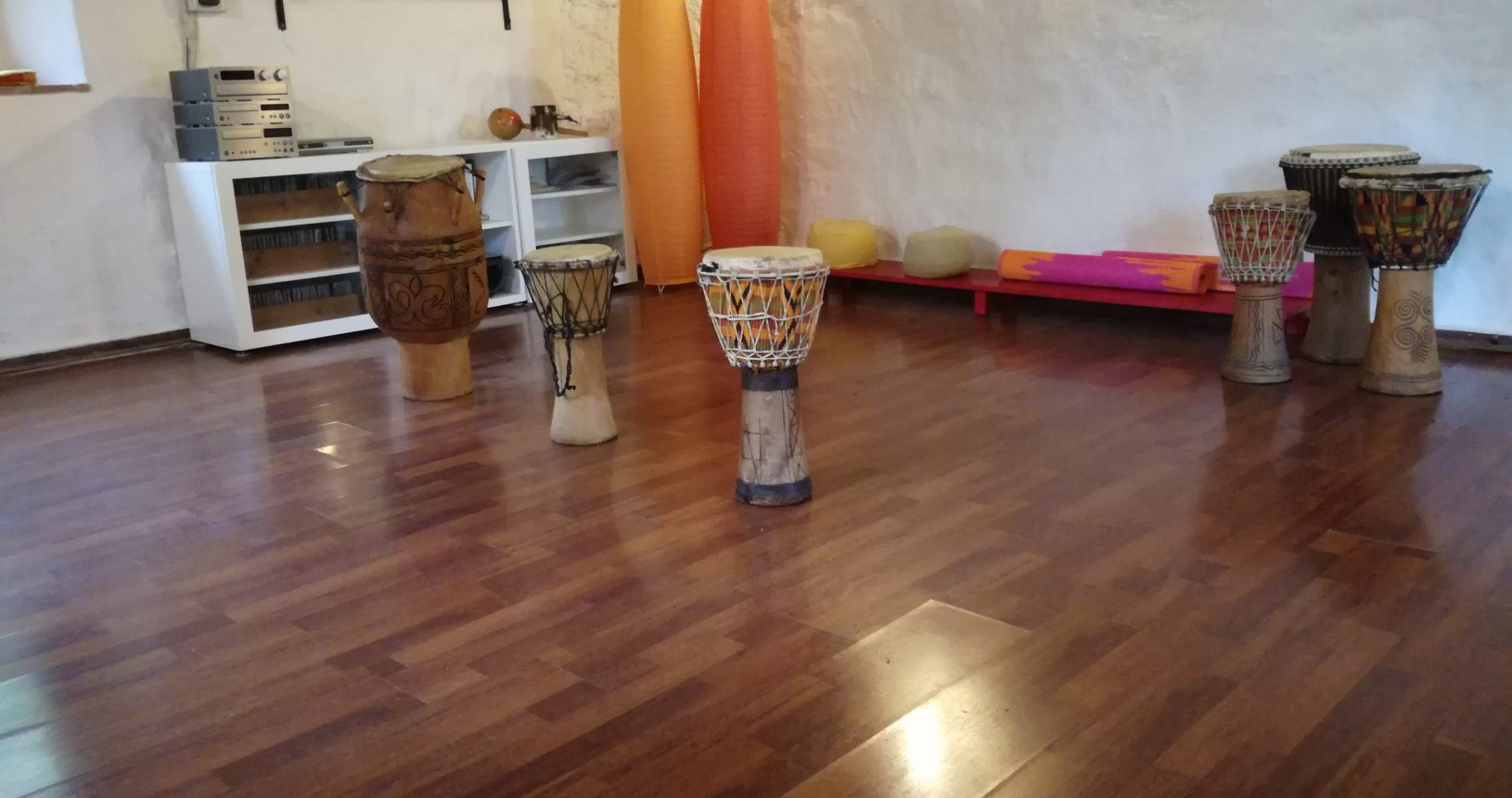 seminarroom with drums